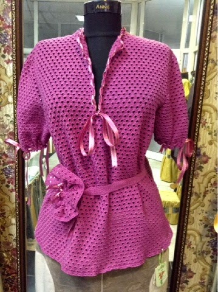 Hand knitted blouse for four seasons