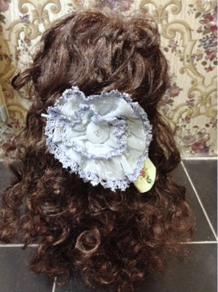 A blue hairclip