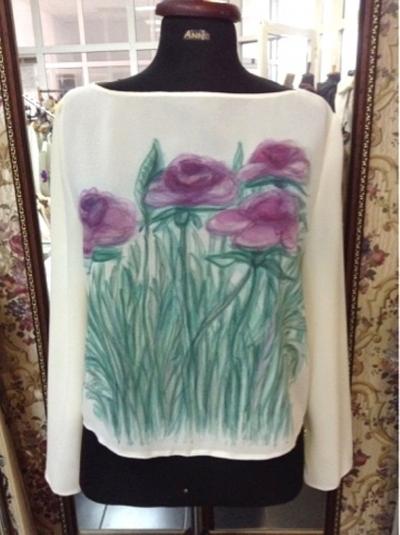 Блуза с ръчно рисувана декорация