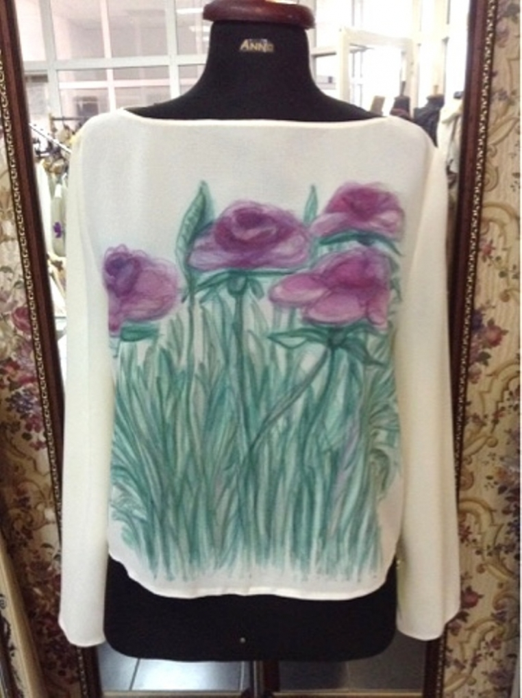 Hand painted decoration blouse